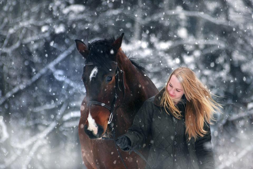 Kvinde med hest