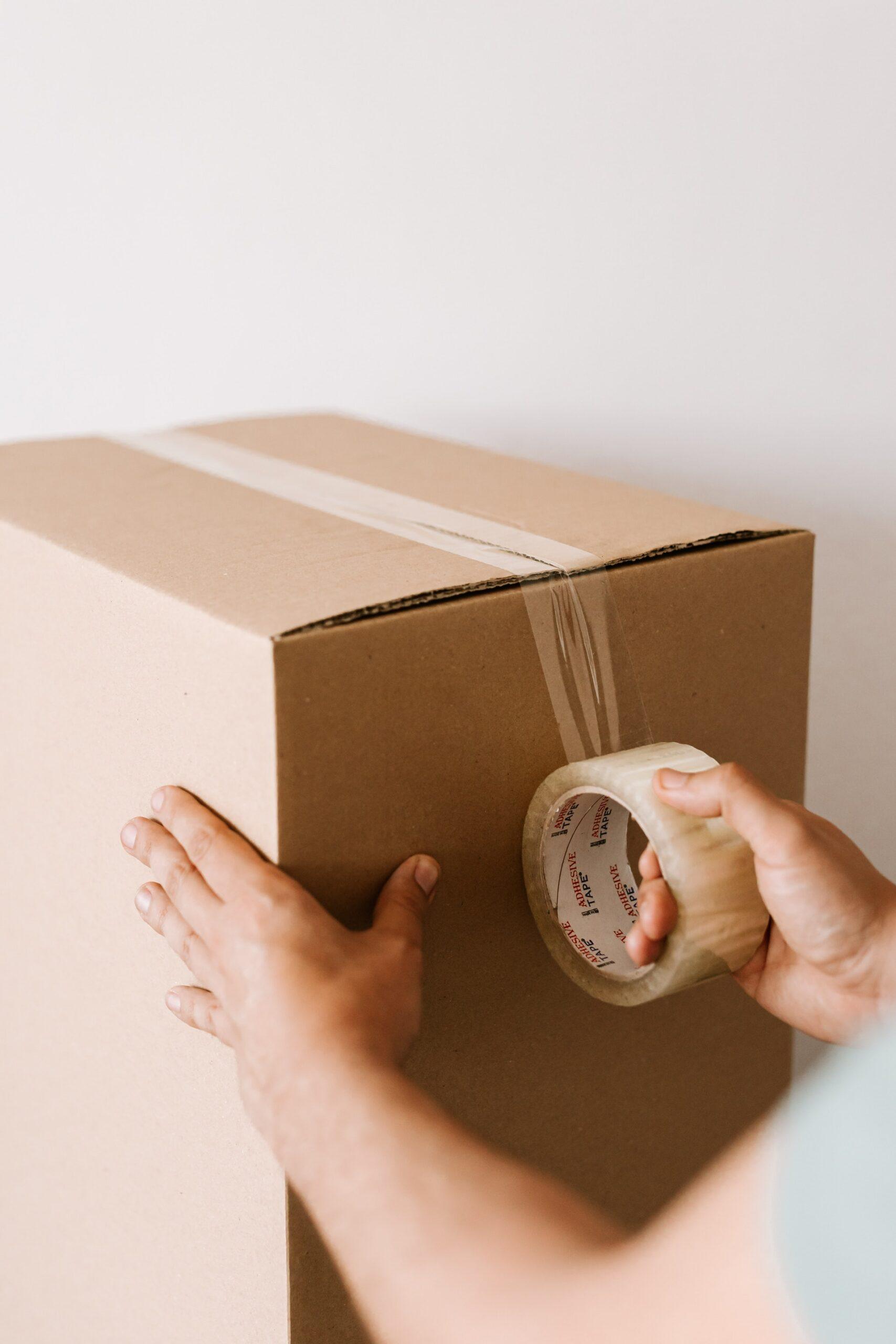 Indpakning af pakke